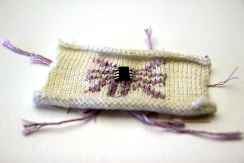Knit02.thumb
