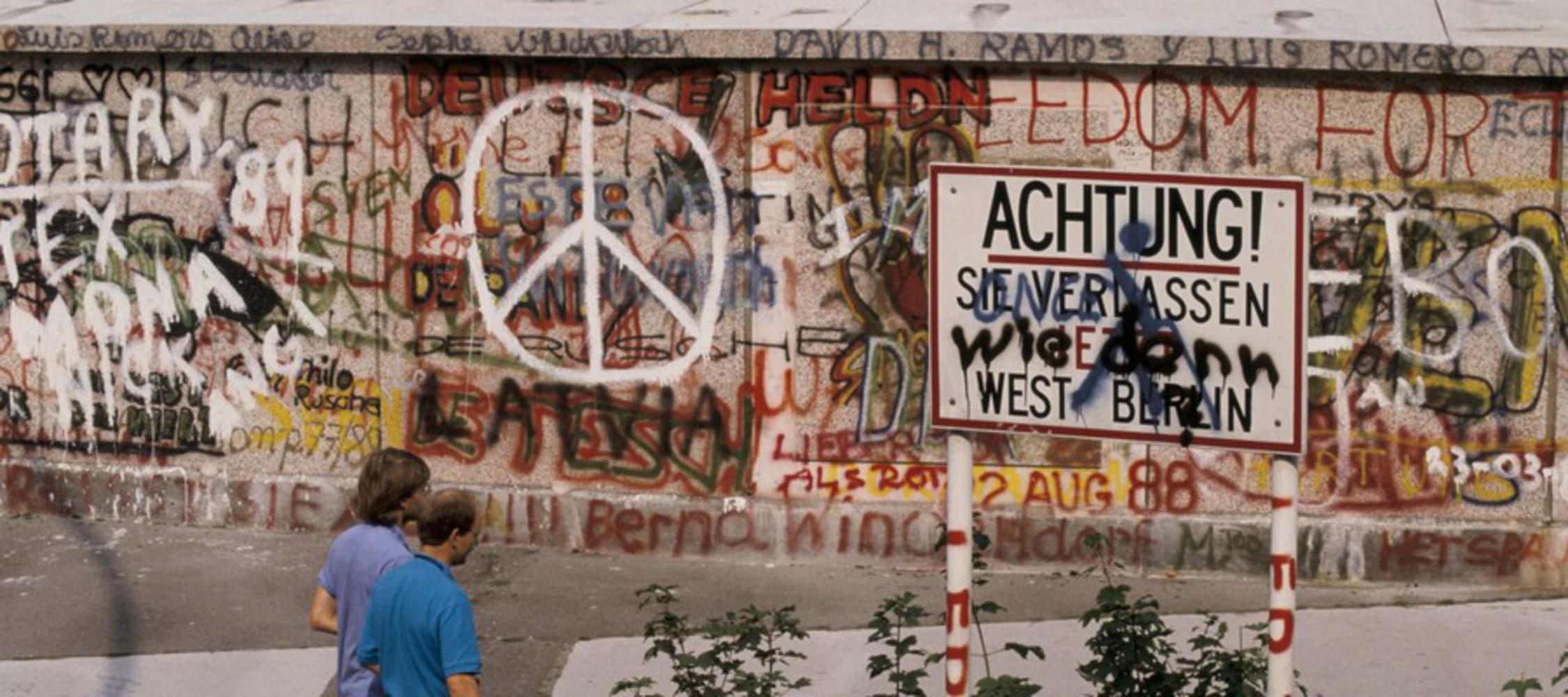 Berlin wall fall 1989 4 1800x800.thumb